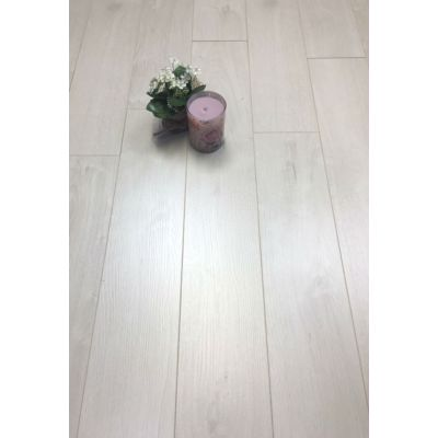 Linen Oak Laminate 8mm