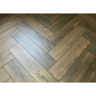 Toulouise Oak Herringbone Laminate 12mm